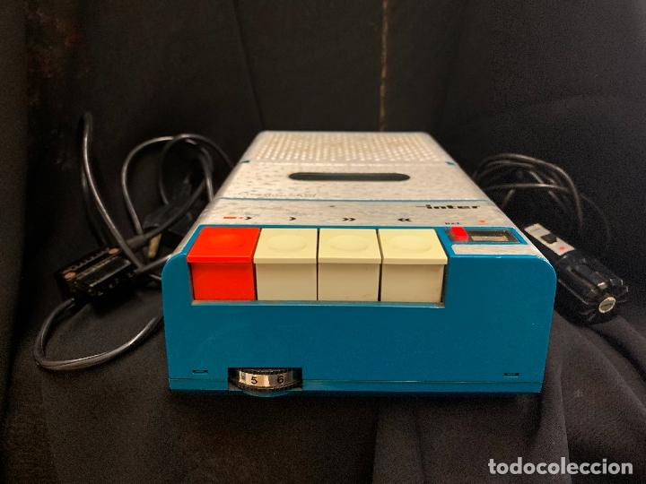 Radios antiguas: Encantador Radio-Cassette grabador, de campo, con microfono. Color y diseño vintage. Funciona - Foto 2 - 177508747