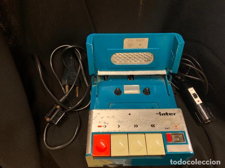 Radios antiguas: Encantador Radio-Cassette grabador, de campo, con microfono. Color y diseño vintage. Funciona - Foto 5 - 177508747