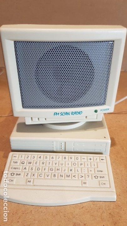 Radios antiguas: CURIOSA RADIO - FM SCAN RADIO - CON FORMA DE ORDENADOR / FUNCIONANDO. - Foto 2 - 178036890