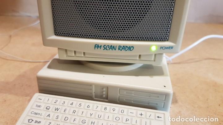 Radios antiguas: CURIOSA RADIO - FM SCAN RADIO - CON FORMA DE ORDENADOR / FUNCIONANDO. - Foto 4 - 178036890