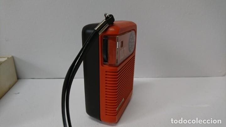 Radios antiguas: 27-Radio transistor Radiola 1071 - Foto 2 - 178104067