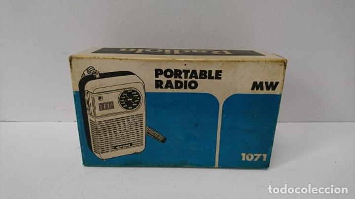 Radios antiguas: 27-Radio transistor Radiola 1071 - Foto 3 - 178104067
