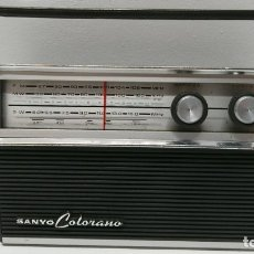 Radios antiguas: 38-RADIO TRANSISTOR SANYO COLORANO 10G-831A. Lote 157759466