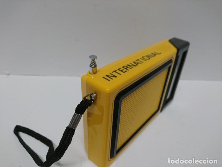 Radios antiguas: 60-Radio transistor International FX 33 - Foto 2 - 178390050