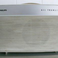 Radios antiguas: TOCADISCOS DE MALETA PHILIPS ALL TRANSISTOR AÑOS 60-FUNCIONA. Lote 178604756