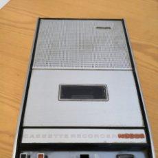 Radios antiguas: CASSETTE GRABADORA REPRODUCTORA PHILIPS N2202. Lote 178877107