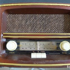Radios antiguas: RADIO DE MADERA ROADSTAR MODELO HRA-1500. Lote 179257737