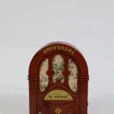 Radios antiguas: RADIO TRANSISTOR MINIATURA PANASOUND PI-82. Lote 179374593