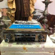 Radios antiguas: ANTIGUA AUTO - RADIO DE WALD PARA COCHE NUEVO EN SU CORCHO ORIGINAL E INSTRUCCIONES. Lote 180123510