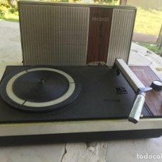 Radios antiguas: ANTIGUO TOCADISCOS PORTATIL PHILIPS GS300. Lote 180420302