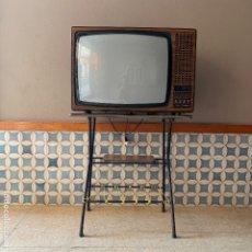 Radios antiguas: TELEVISION THOMSOM, DE LAS PRIMERAS A COLOR, NO FUNCIONA, PARA PIEZAS, DECORACION O ESPERIMENTOS. Lote 180445193