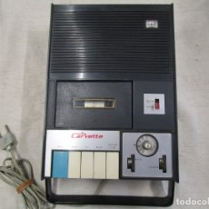 Radios antiguas: RADIO CASSETTE NACIONAL ' CARVETTE ' 220V,DE LOS 70'S - FALTA TAPA CAVIDAD PILAS + INFO. Lote 181512372