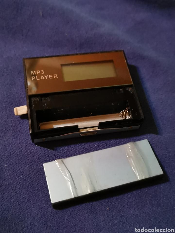 REPRODUCTOR MP3 ANTIGUO (Radios, Gramófonos, Grabadoras y Otros - Transistores, Pick-ups y Otros)