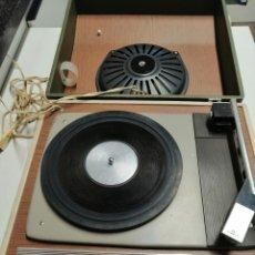 Radios antiguas: TOCADISCOS AÑOS 60- 70 COSMO 751 FUNCIONA CORRECTAMENTE. Lote 182085711