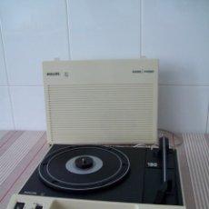 Radios antiguas: TOCADISCOS 190. RADIO ANTIGUA PHILIPS 22AF190 RADIO PHONO (1975). FUNCIONANDO.. Lote 182688587