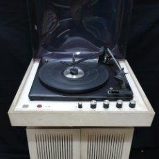 Radios antiguas: TOCADISCOS ITALIANO BIBBO SE38. Lote 183044397