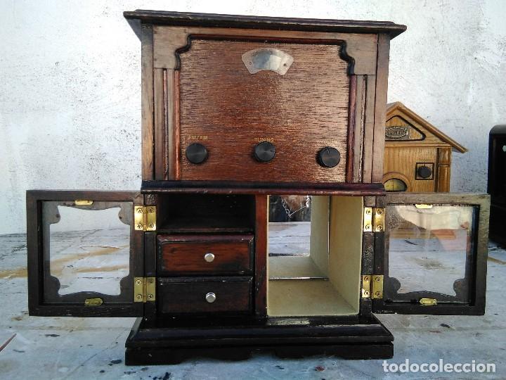 Radios antiguas: Curioso radio transistor funcionando - Foto 2 - 184465437