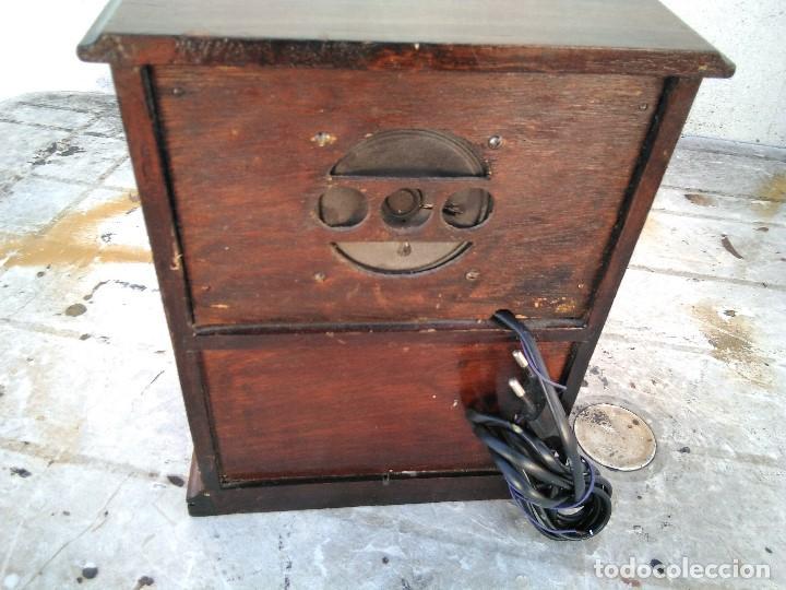 Radios antiguas: Curioso radio transistor funcionando - Foto 5 - 184465437