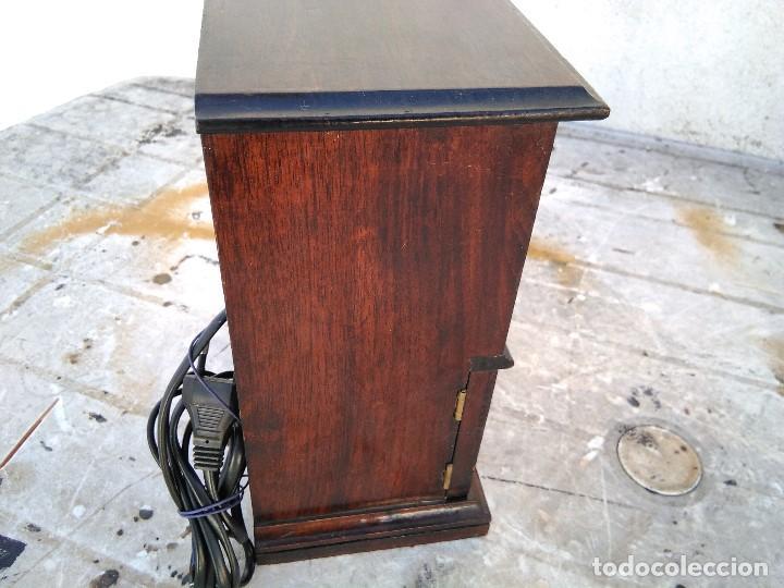 Radios antiguas: Curioso radio transistor funcionando - Foto 6 - 184465437