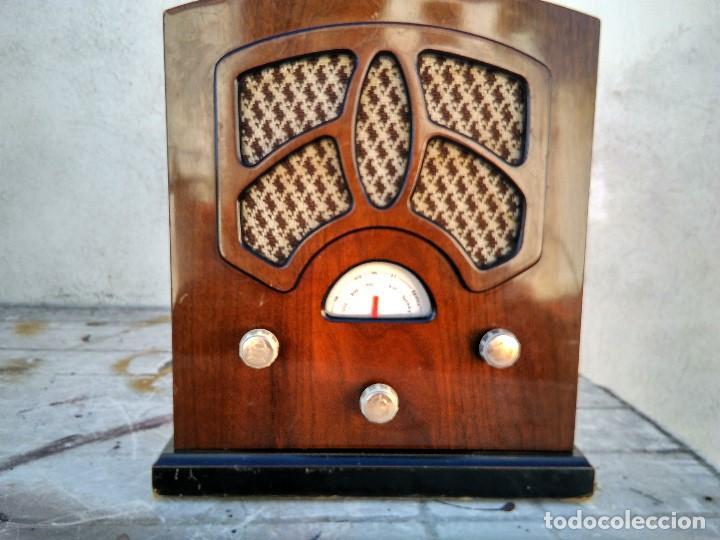 PRECIOSO RADIO TRANSISTOR FUNCIONANDO (Radios, Gramófonos, Grabadoras y Otros - Transistores, Pick-ups y Otros)