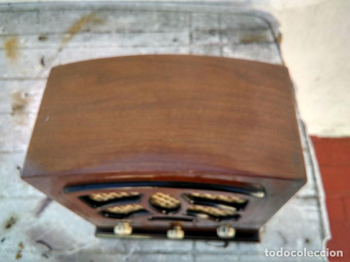 Radios antiguas: Precioso radio transistor funcionando - Foto 2 - 184469207