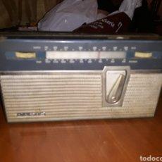 Radios antiguas: RADIOS Y GRAMOFONOS.. Lote 184802512