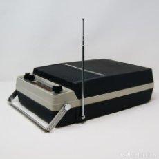 Radios antiguas: TOCADISCOS AIWA RADIO PHONOGRAPH P-172. Lote 185722568