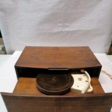 Radios antiguas: TOCADISCOS PHILIPS CAJÓN. Lote 187423110