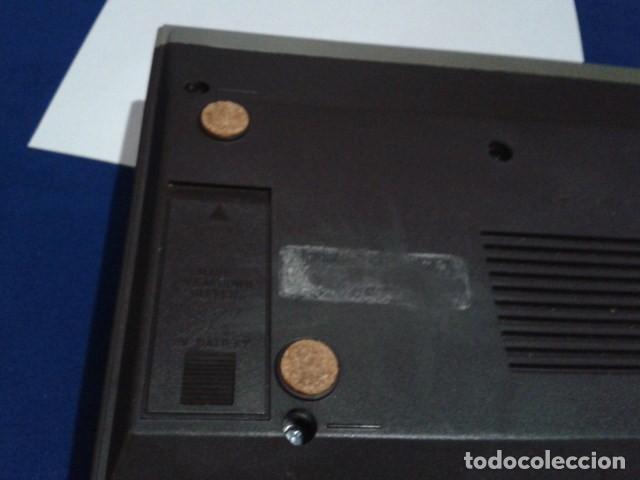 Radios antiguas: RADIO RELOJ DESPERTADOR PHILIPS (MODELO 390 ELECTRONIC CLOCK RADIO ) FUNCIONA - VINTAGE - Foto 7 - 204150791