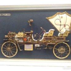 Radios antiguas: CHEVROLET 1901 CUADRO PANOPLIA, MAQUETA DE COCHE CON CIRCUITO RADIO TRANSISTOR. MED 80 X 50 CM. Lote 188709073