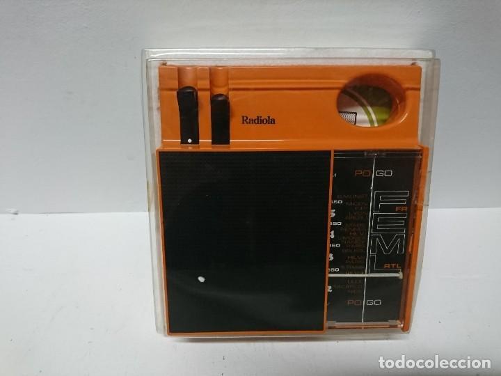 Radios antiguas: Radio transistor Radiola 122 - Foto 3 - 189701353