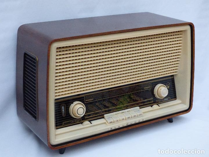 Radios antiguas: Antigua radio de válvulas, marca BLAUPUNKT, en magnifico estado, funcionando gran sonido (ver vídeo) - Foto 5 - 189989092