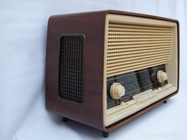 Radios antiguas: Antigua radio de válvulas, marca BLAUPUNKT, en magnifico estado, funcionando gran sonido (ver vídeo) - Foto 8 - 189989092
