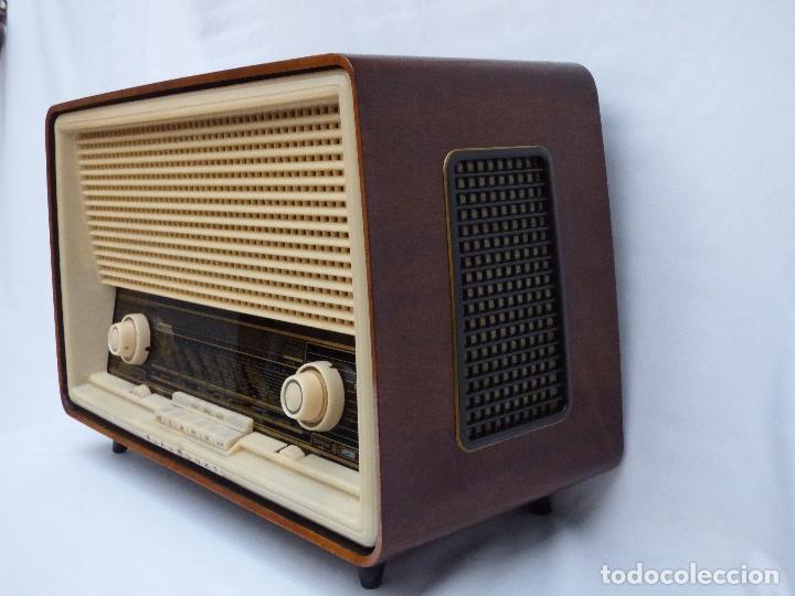 Radios antiguas: Antigua radio de válvulas, marca BLAUPUNKT, en magnifico estado, funcionando gran sonido (ver vídeo) - Foto 9 - 189989092