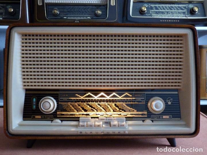 Radios antiguas: Antigua radio de válvulas, marca BLAUPUNKT, en magnifico estado, funcionando gran sonido (ver vídeo) - Foto 10 - 189989092