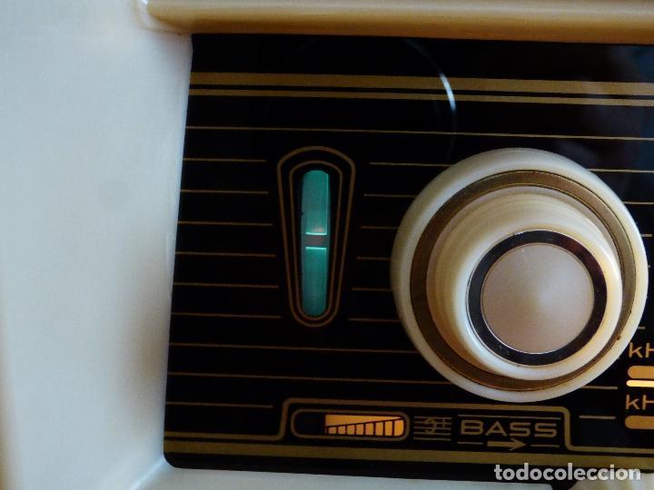 Radios antiguas: Antigua radio de válvulas, marca BLAUPUNKT, en magnifico estado, funcionando gran sonido (ver vídeo) - Foto 11 - 189989092