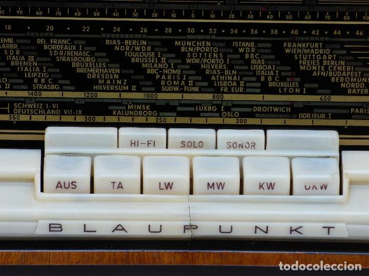 Radios antiguas: Antigua radio de válvulas, marca BLAUPUNKT, en magnifico estado, funcionando gran sonido (ver vídeo) - Foto 12 - 189989092
