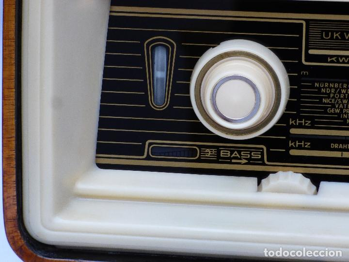 Radios antiguas: Antigua radio de válvulas, marca BLAUPUNKT, en magnifico estado, funcionando gran sonido (ver vídeo) - Foto 13 - 189989092