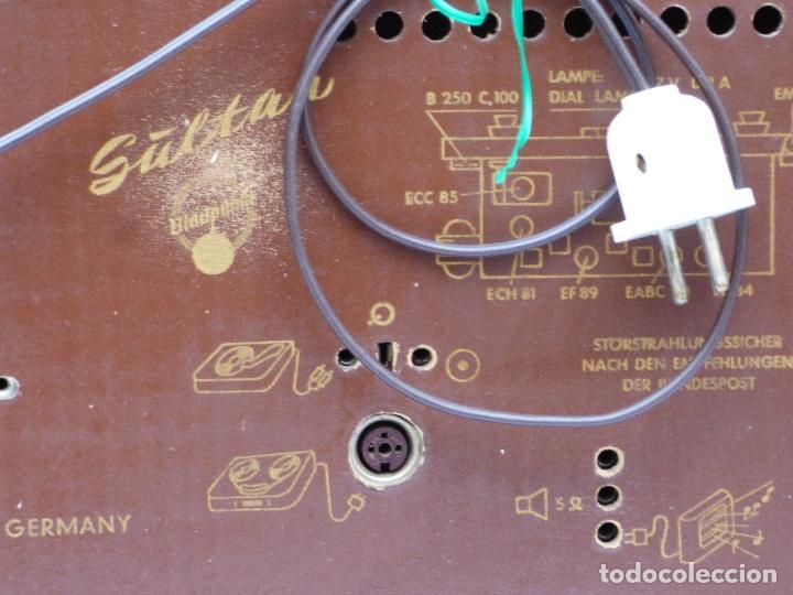 Radios antiguas: Antigua radio de válvulas, marca BLAUPUNKT, en magnifico estado, funcionando gran sonido (ver vídeo) - Foto 16 - 189989092