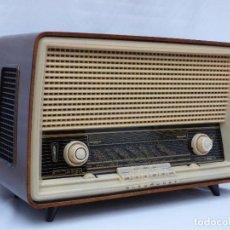 Radios antiguas: ANTIGUA RADIO DE VÁLVULAS, MARCA BLAUPUNKT, EN MAGNIFICO ESTADO, FUNCIONANDO GRAN SONIDO (VER VÍDEO). Lote 189989092