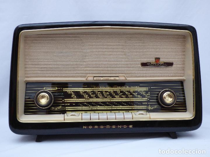 Radios antiguas: Antigua radio de válvulas marca NORDMENDE, en magnifico estado, funcionando gran sonido (ver vídeo) - Foto 3 - 190055035