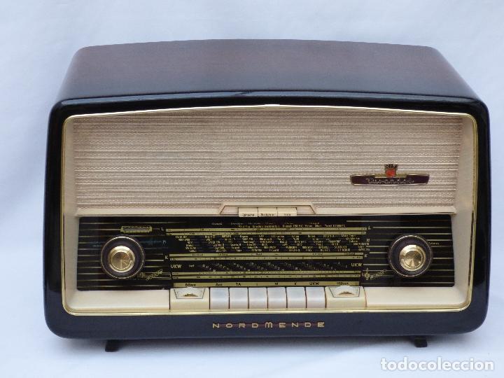 Radios antiguas: Antigua radio de válvulas marca NORDMENDE, en magnifico estado, funcionando gran sonido (ver vídeo) - Foto 4 - 190055035