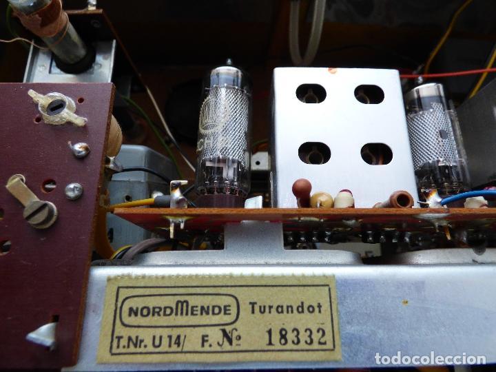 Radios antiguas: Antigua radio de válvulas marca NORDMENDE, en magnifico estado, funcionando gran sonido (ver vídeo) - Foto 17 - 190055035