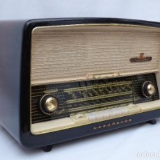 Radios antiguas: ANTIGUA RADIO DE VÁLVULAS MARCA NORDMENDE, EN MAGNIFICO ESTADO, FUNCIONANDO GRAN SONIDO (VER VÍDEO). Lote 190055035