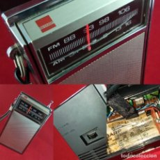 Radios antiguas: RADIO DE MANO SHARP MOD FX-184H AM-FM AÑO 1968. Lote 183538871