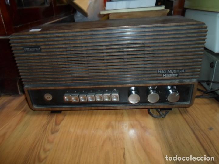 RADIO ALBENIZ HILO MUSICAL HASLER ALTURA 19 CMS. 37,5 X 13 CM. ANCHO - ENCIENDE (Radios, Gramófonos, Grabadoras y Otros - Transistores, Pick-ups y Otros)