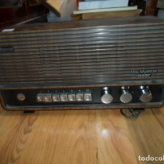 Radios antiguas: RADIO ALBENIZ HILO MUSICAL HASLER ALTURA 19 CMS. 37,5 X 13 CM. ANCHO - ENCIENDE. Lote 191823650