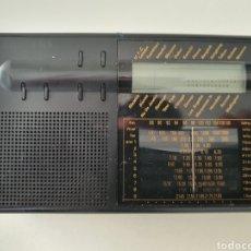 Radios antiguas: RARÍSIMA RADIO SIEMENS RK 712 SELECCION PARA SINTONIZAR EN OTROS PAISES. Lote 192679318