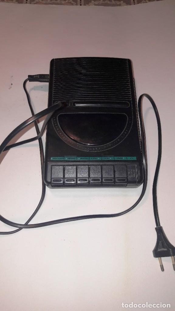 Radios antiguas: MAGNETOFONO GRABADOR-REPRODUCTOR DE CASSETTE PHILIPS - AÑOS 60-70 - Foto 4 - 192683155