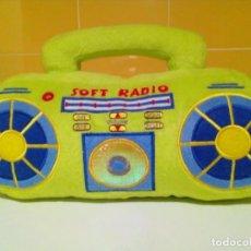 Radios antiguas: PELUCHE RADIO EN COLOR PISTACHO FUNCIONA. Lote 193023611